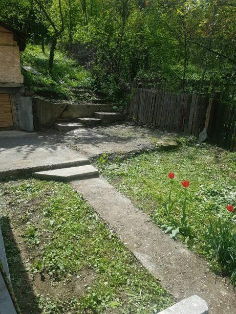 OCAZIE Vând casa cu teren Garcina la 7 minute de Piatra Neamț