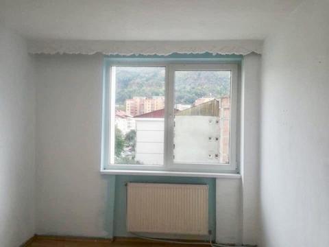 Apartament 3 camere, decomandat, Piatra Neamț (str. Progresului)